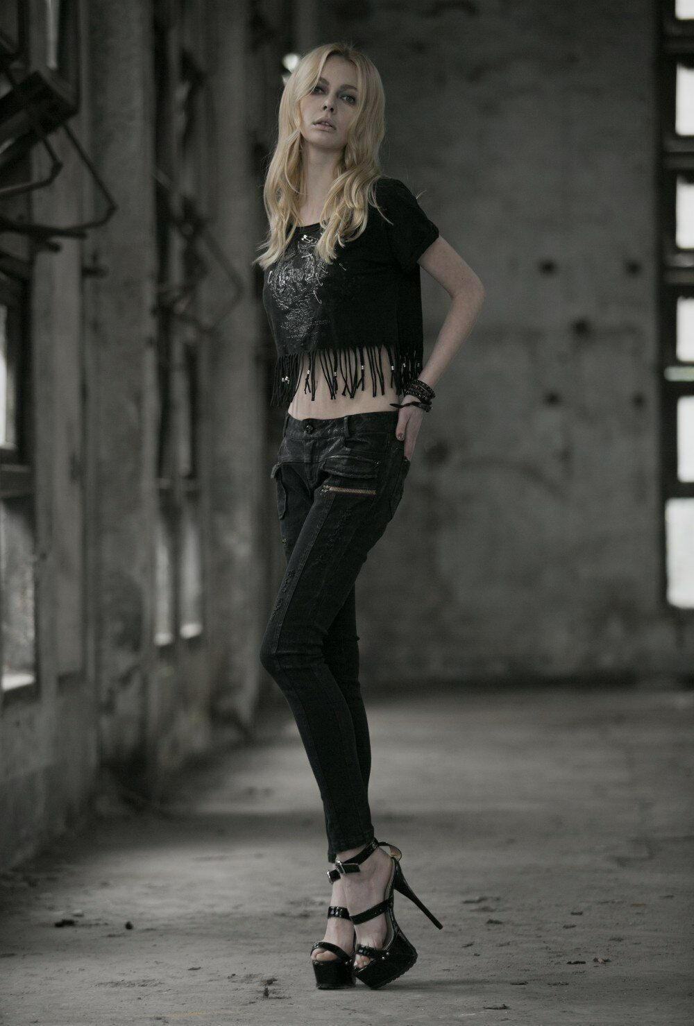 Donna JEANS NERO DESTROYED PANTS punk rave gothic Kei mode mode mode 35f0a0