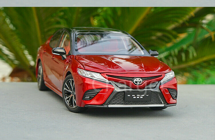 1 18 Scale Toyota 2018 2018 2018 Camry Sport Metal Diecast Simulated Car Model Collectible e4bbb8