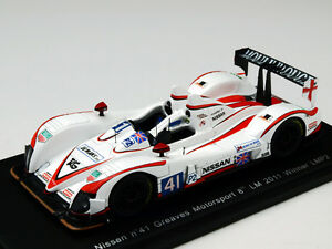 Spark-S2533-Zytek-Nissan-Greaves-1st-LMP2-2011-Le-Mans-Racing-Cars-Resin-1-43