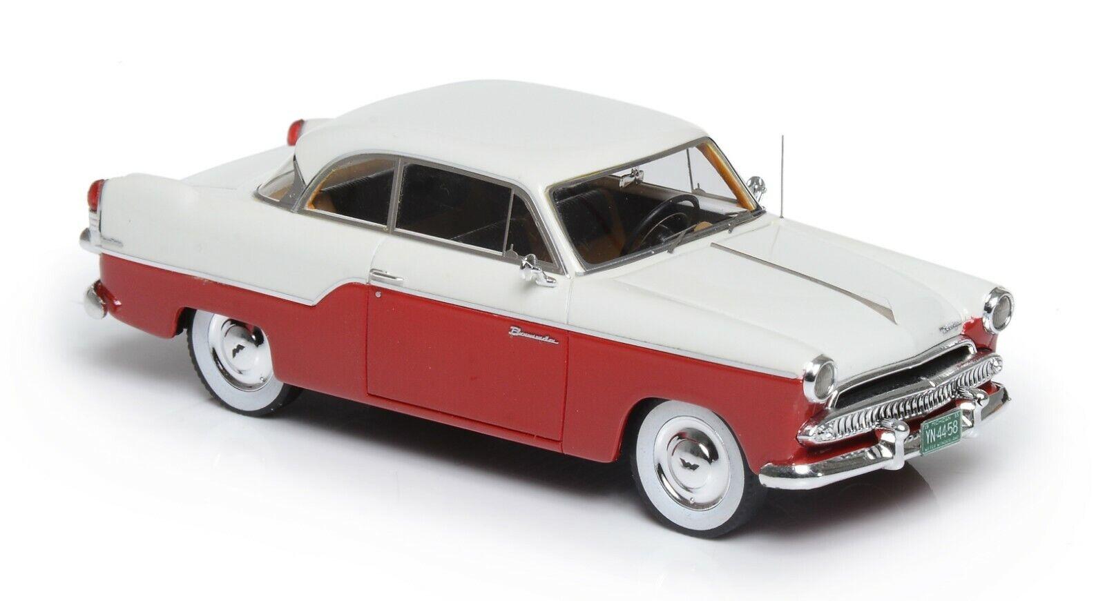 1 43 ESVAL Modell Willys Areo Bermuda 2-dörr Hardtop röd vit 1955