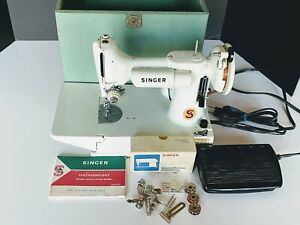Singer Sewing Machine Featherweight 221K Quilter White Green 68 EXC See VIDEO