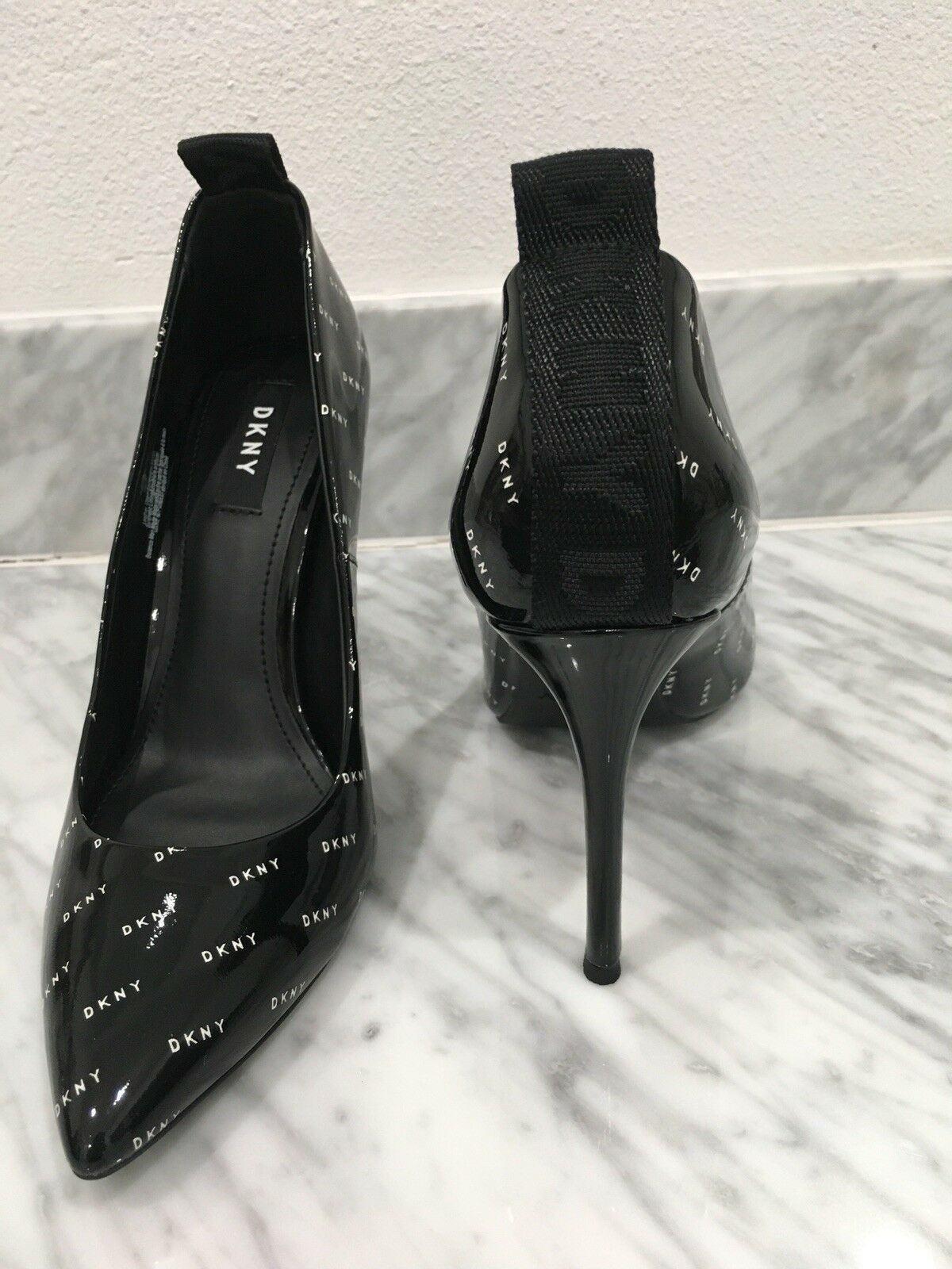 New DKNY DKNY DKNY Black Patent Leather Heels With Logo - Latest Design -Size 38 US 8 393af3