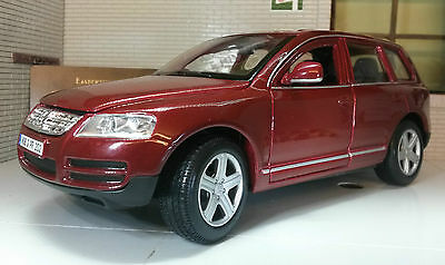 United G Lgb 1:24 Scale Red Vw Touareg V6 V10 W12 Tdi Burago 22015 Detailed Model 2002 Preventing Hairs From Graying And Helpful To Retain Complexion Diecast & Toy Vehicles