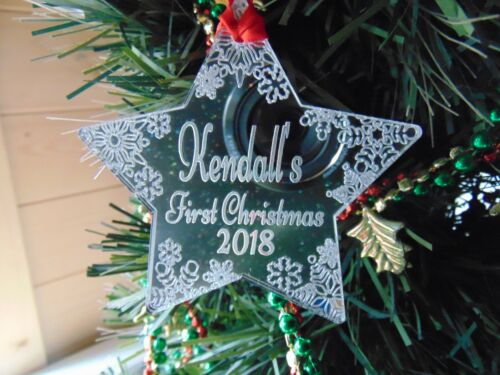 Baby/'s First Christmas Personalised Christmas Bauble Tree Decoration 2018
