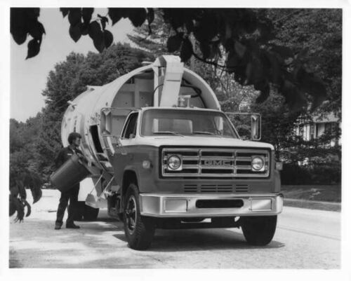1974 GMC Truck Medium Duty Refuse Hauler Factory Press Photo 0127