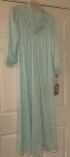 Vintage Vanity Fair Nightgown NWT