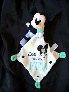 doudou-mouchoir-Mickey-zoom-to-the-moon-blanc-bleu-noir-gris-etoile-lune-tbe