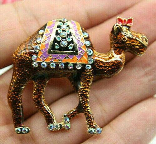 Wonderful CAMEL Decorated BOW Arabian Desert ZOO Animal Rhinestone Enamel Brooch