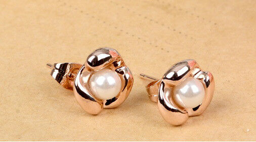 18K Gold Plated Pearl Earrings - Rose Design