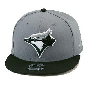 New-Era-Toronto-Blu-Jays-Cappello-con-Visiera-Grigio-Nero-Attuale-Logo-MLB