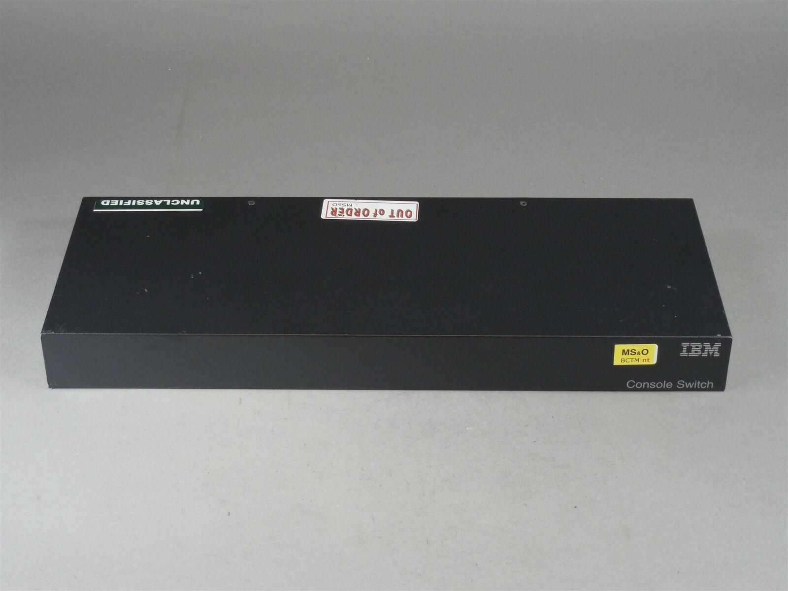 IBM P/N: 31R3136 M/N: 1735-2LX Console Switch FOR PARTS