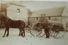 Deutsche Soldaten mit Pferde-Kutsche, Fotokarte (31054)