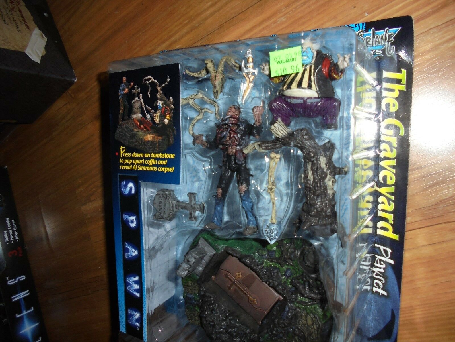 Spawn The Movie  The Graveyard Playset  Action Figures McFarlane 1997