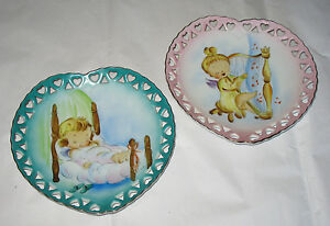 Lot-2-Vintage-Heart-Baby-Angel-Wall-Plate-Hand-Painted-Japan-Pink-Blue-Bed-Harp