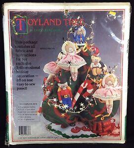 Toyland-Tree-Daisy-Kingdom-Kit-9876-Nutcracker-Ballerina-Bears-3D-Christmas-NIP