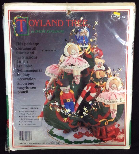Toyland Tree Daisy Kingdom 9876 Nutcracker Ballerina Bears Christmas 3D Kit NIP