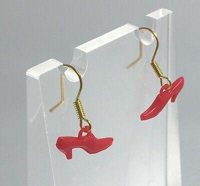 Rojo Alta Zapato de tacón alto Encanto Aretes Oro Plt Ganchos D250 Kitsch Tacones inusual