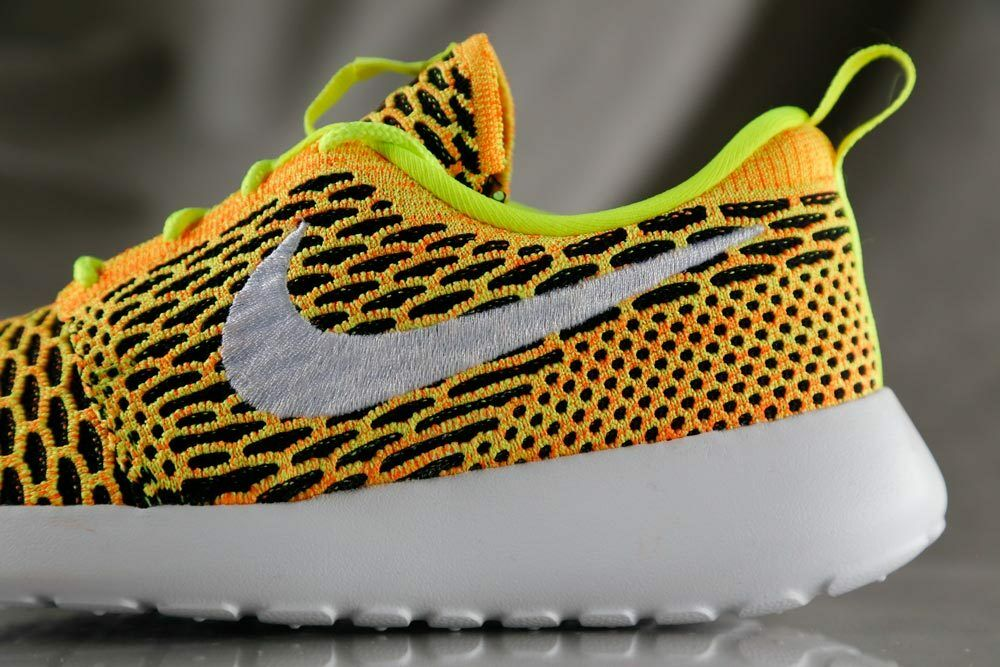 NIKE ROSHE ONE FLYKNIT chaussures for femmes , NEW & AUTHENTIC, US Taille 7.5