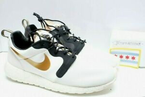 sports shoes 318b5 5131a Image is loading Nike-Roshe-Run-HYP-PRM-QS-Gold-Trophy-