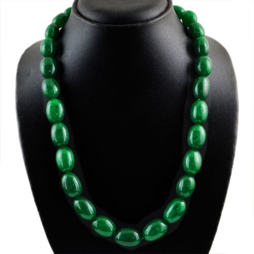 RARE 656.50 cts Earth mined ovale riche vert émeraude perles collier Strand