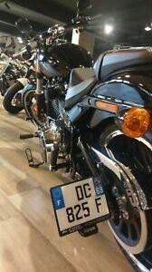 Support-de-plaque-lateral-Harley-Davidson-FXBB-Street-Bob-2018-2019