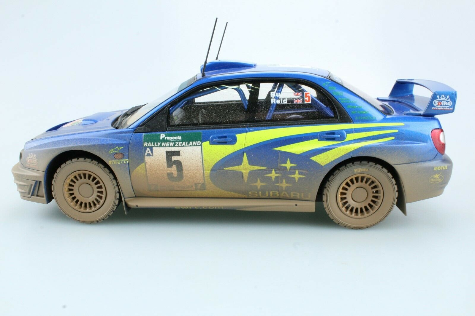 1 18 Top Marques Richard Burns SUBARU IMPREZA WRC CHAMPION 2001-Ltd 100pcs NUOVO