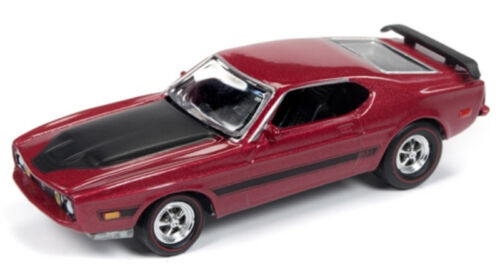 1/64 JOHNNY LIGHTNING CLASSIC GOLD 1973 Ford Mustang Mach 1 in Bright Red Metall