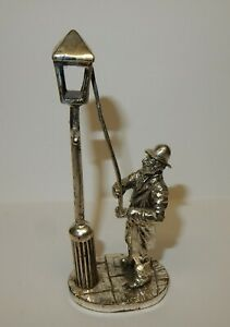 Royal-Hampshire-Art-Foundry-Polished-Pewter-Figure-Lamp-Lighter-A1