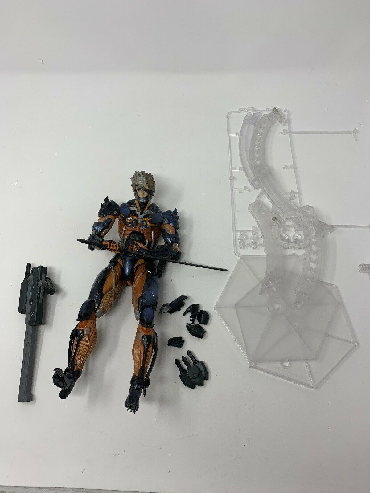 Metal Gear Rising Revengeance RAIDEN rot VARIANT Play Arts Kai