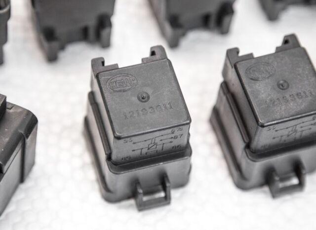 OEM GM HELLA 12193611 Relay for GM Vehicles, S10, Blazer, Cadillac, Kawasaki NEW