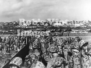 OKinawa-Battle-Photo-US-Marines-landing-On-The-Beach-South-Pacific-WWII