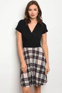 b751e600c351 Gilli - Short Sleeve Scoop Neck Surplice Black Plaid Pattern Jersey ...