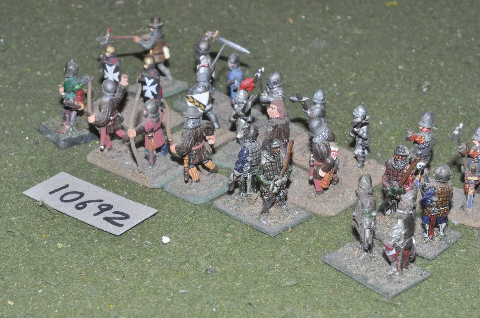 25mm medieval   generic - warriors 24 figs - inf (10692)