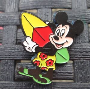 PINS-BADGE-COLLECTION-MICKEY-PLANCHE