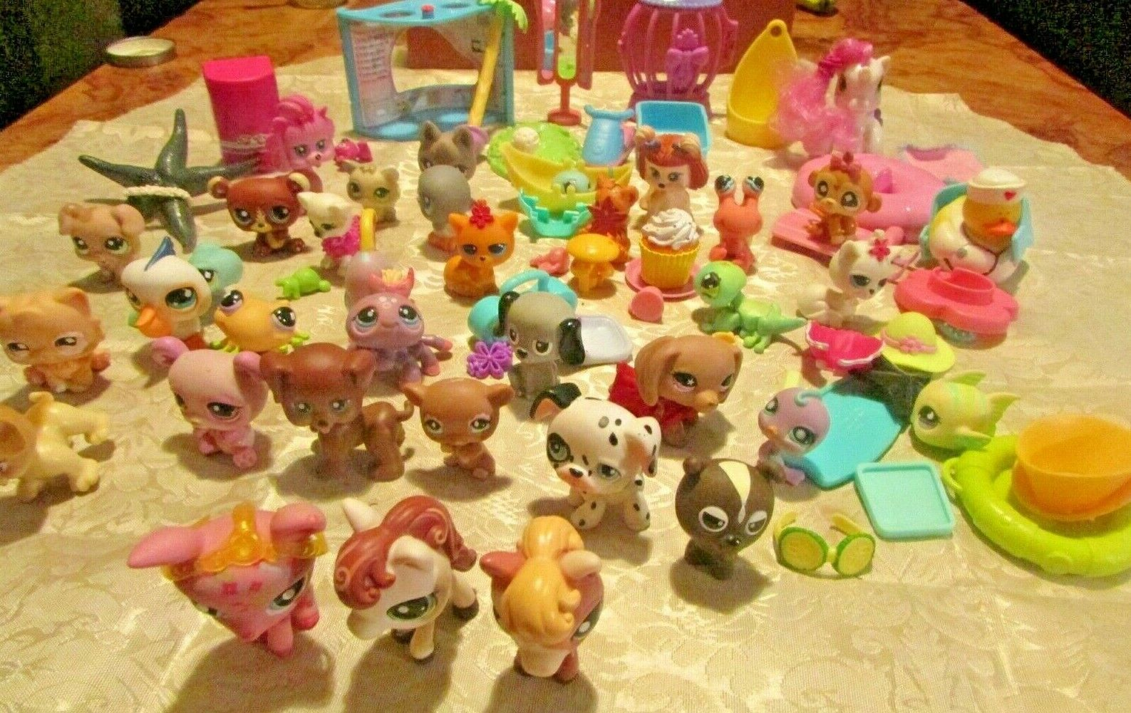 LOT OF LITTLEST PET SHOP (LPS) MANNIX & & & OTHER HASBRO TOY LOT & ACCESSORIES 141774