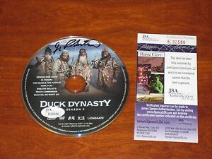 Uncle-Si-Robertson-signed-Duck-Dynasty-DVD-Season-2-Autographed-Auto-JSA