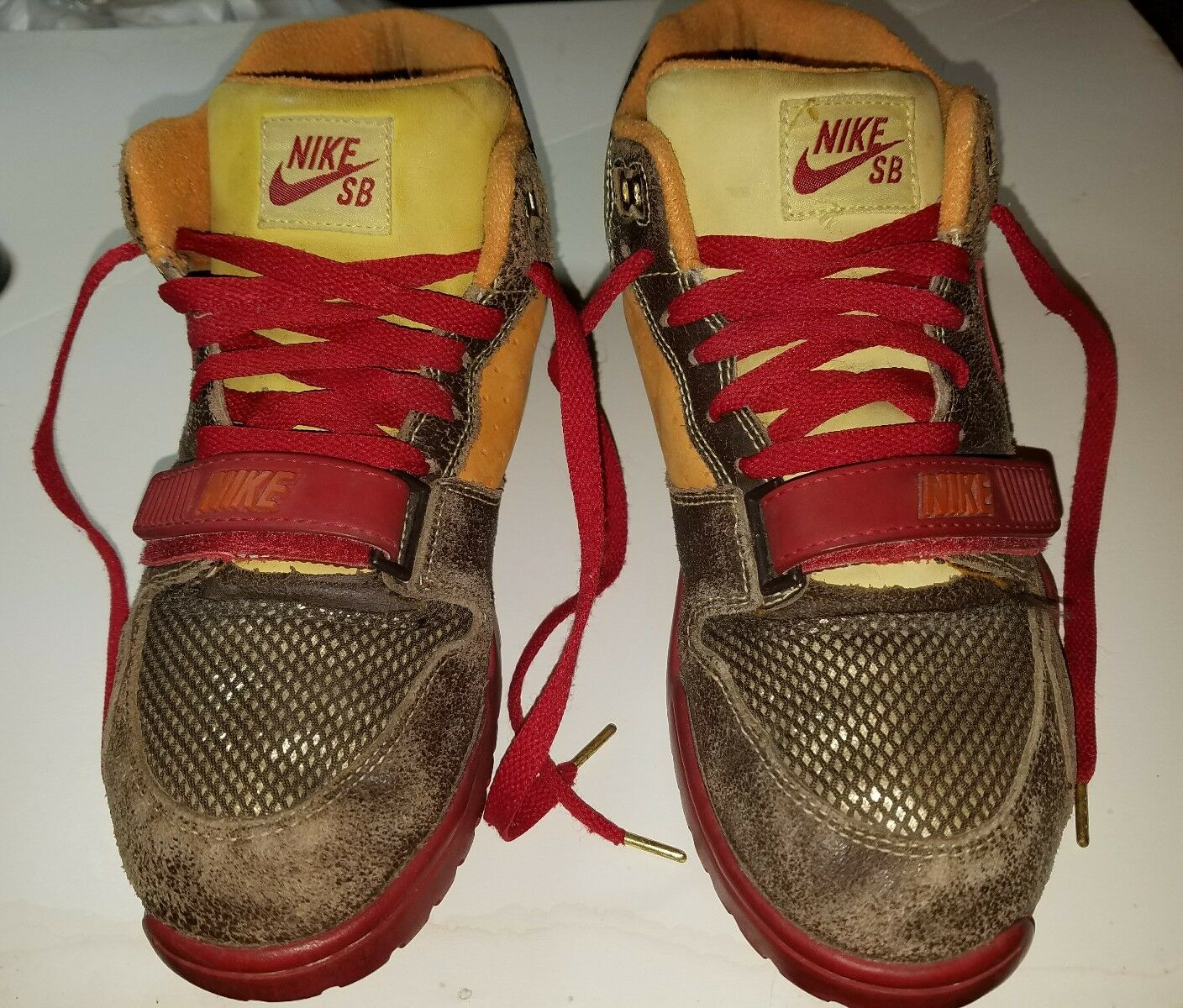 NIKE AIR TRAINER 1 SB MID gold DIGGER QS SIZE 9.5SAN FRANSISCO 49ERS COLORWAY