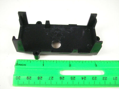 TWO Pieces Lionel 691-8090-T95 Circuit Board MOUNTING BRACKETS Black NOS