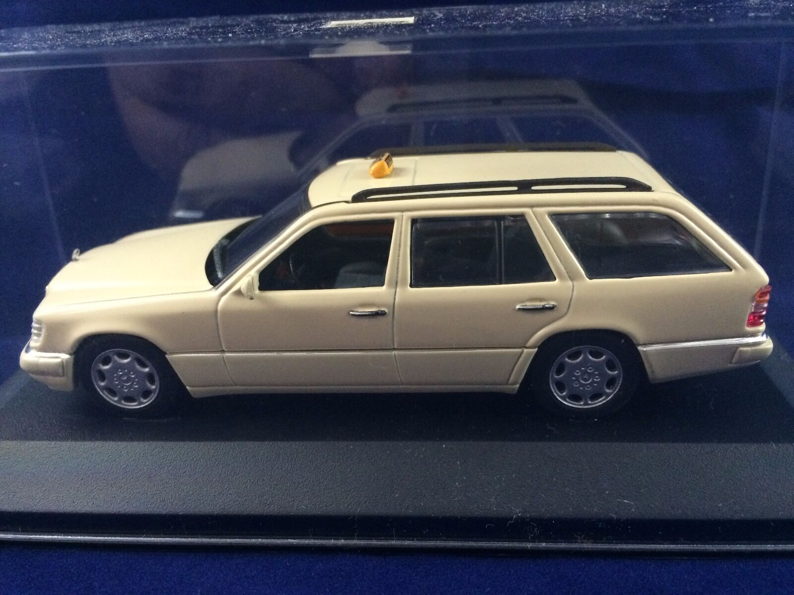 Para tu estilo de juego a los precios más baratos. Minichamps Mercedes E-Class romper 1994 1994 1994  en promociones de estadios