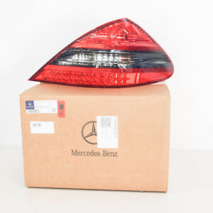 MERCEDES-BENZ-SL-R230-New-Genuine-Rear-Right-Taillight-A2308201664-2012