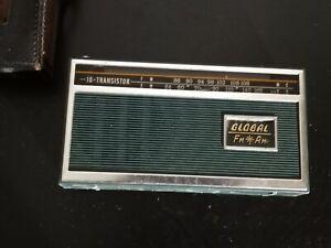Rare Vintage Green Global Transistor Radio Model GR-920 in Original Leather Case
