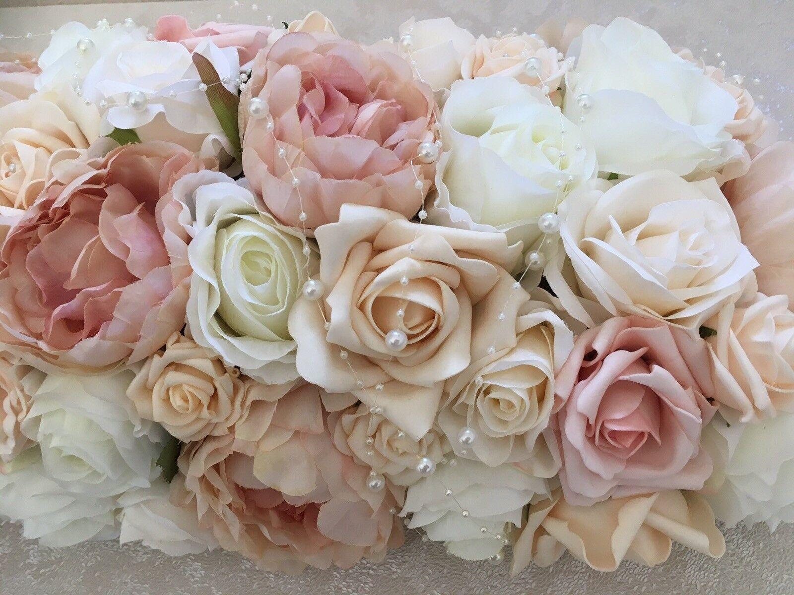 bleush, ivoire et Champagne Mariage Table arrangement de fleurs Roses pivoines