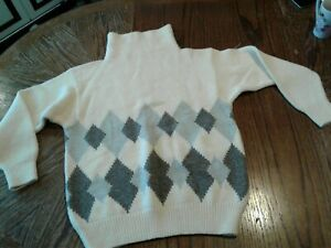 Vintage Giorgio Armani White Knit Sweater Size 2 (cb14)