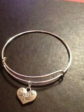 Special nan braclet silver In colour