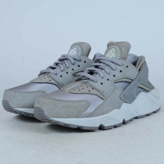 1978fbd7f2b8 NIKE AIR HUARACHE RUN PRM SUEDE SNEAKERS GREY WHITE 833145 002 SZ 5.5  DAMAGED