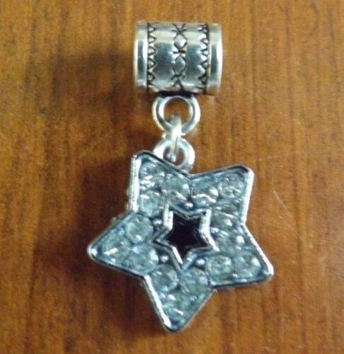 pendentif argenté étoile strass 19x18 mm