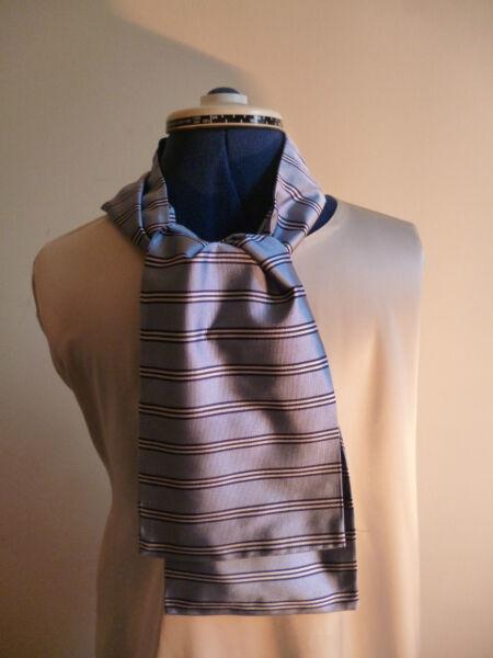 100% Seda Tejida Para Hombre Cravat/scarf Pálido Blue/navy Azul/blanco Rayas Nueva-ver