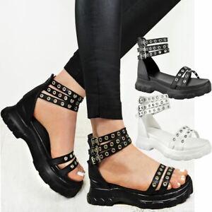 Style De Mode Bottes Femme Noires à Semelle Compensée Talon Moyen Clouté Sandales Plateforme à Lanières été Punk Goth-afficher Le Titre D'origine