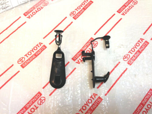 *NEW TOYOTA SOLARA YARIS FLOOR MAT RETENTION CLIPS BLACK CARPET OEM 2 PIECES