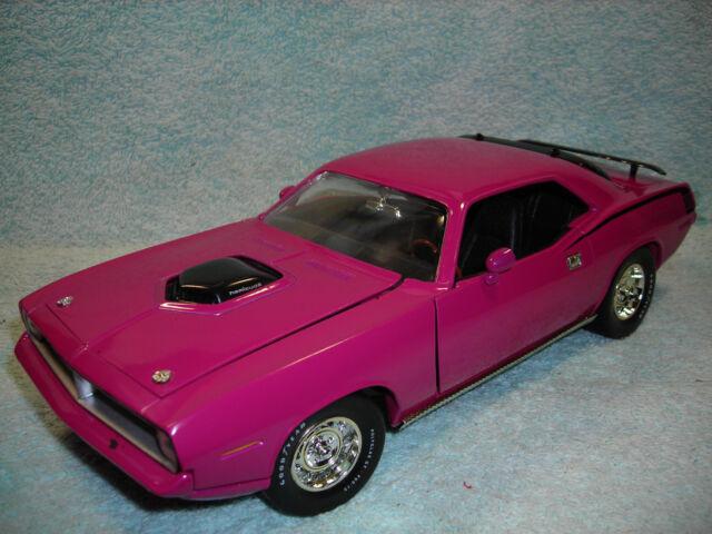1970 Plymouth 'cuda Moulin Rouge HEMI 1 18 Ertl American Muscle